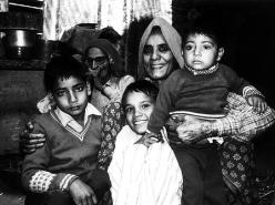 Dadi's Family (1981)